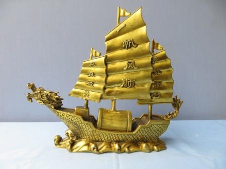 Thuyền Buồm Đầu Rồng bằng Đồng - ĐPT28 - Đồ Đồng Bảo Hân